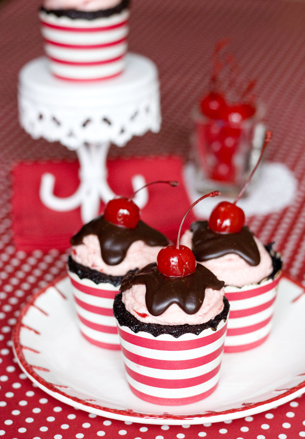 Recipe: Chocolate Cherry Cordial Cupcakes