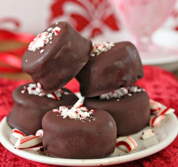 Oreo Peppermint Ice Cream Bonbons
