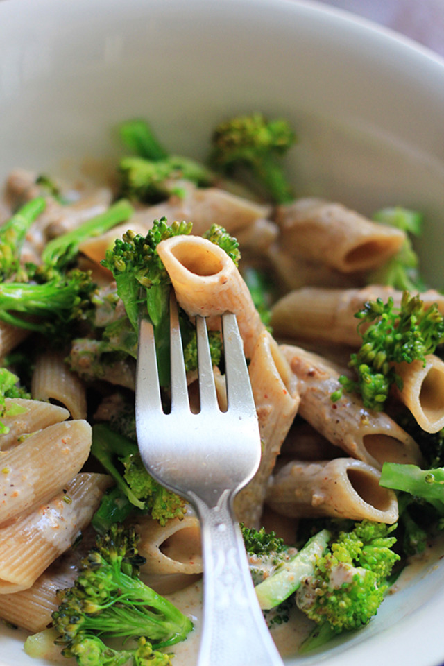 Creamy Wholewheat Pasta with Broccoli